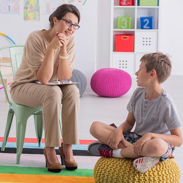 dziecko zterapeutką